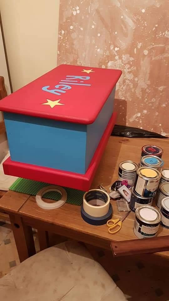 Upcycled toy box with cheap and reusable paint.