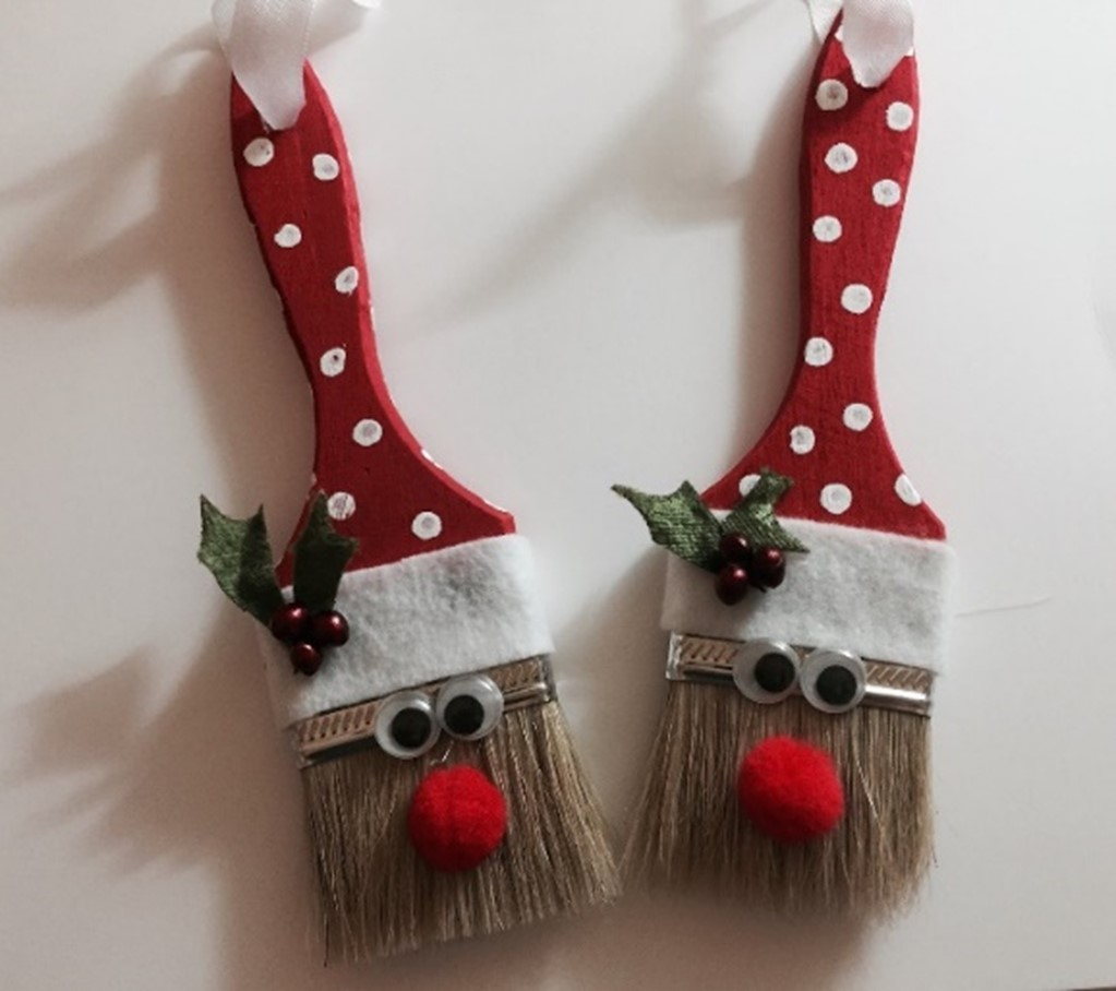 Christmas paintbrushes
